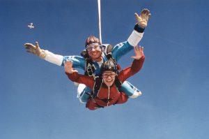 Emal-Parachuting jpg.JPG - 26609